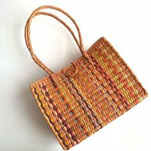 Handbags - Woven straw beach tote